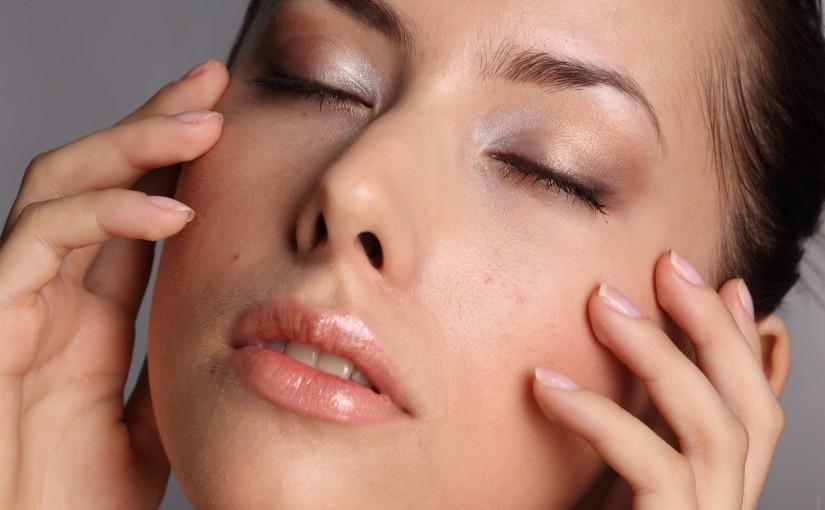 Kompetencja, elegancja oraz dyskrecja – atuty godziwego gabinetu kosmetycznego